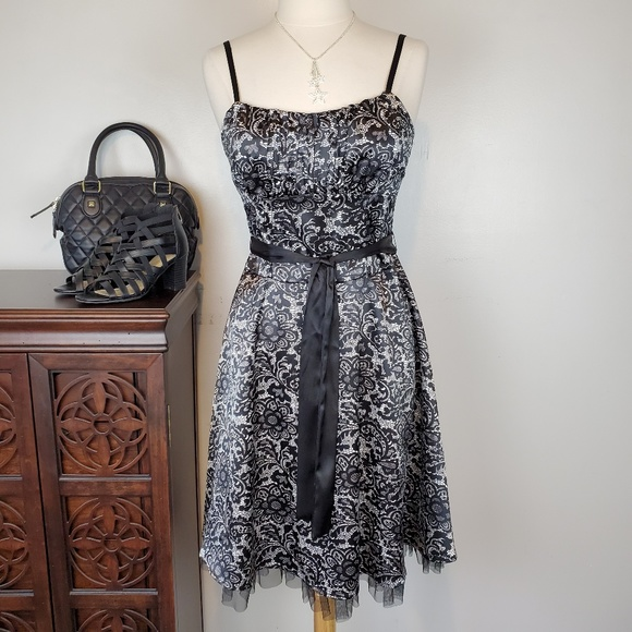 connected apparel Dresses & Skirts - Connected Apparel Black White Dress w/Straps, 10